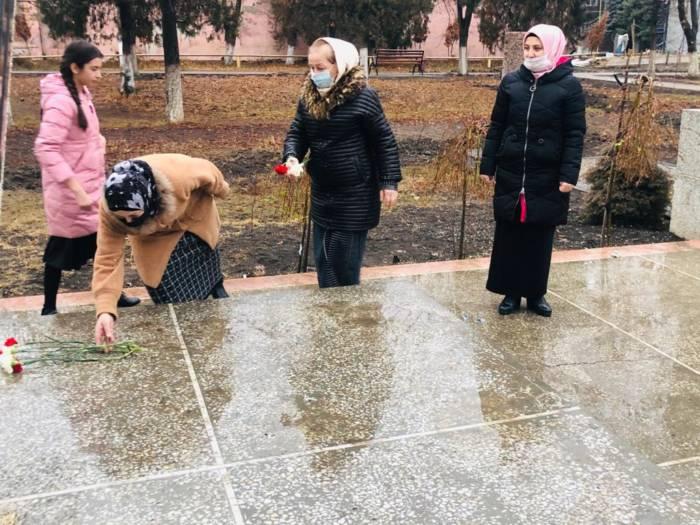 В Сунженском районе состоялось возложение цветов к памятным местам