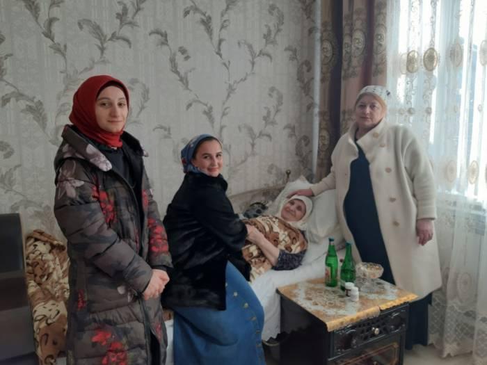 Работники культуры Сунженского района поздравили представительниц прекрасного пола с наступающим 8 марта