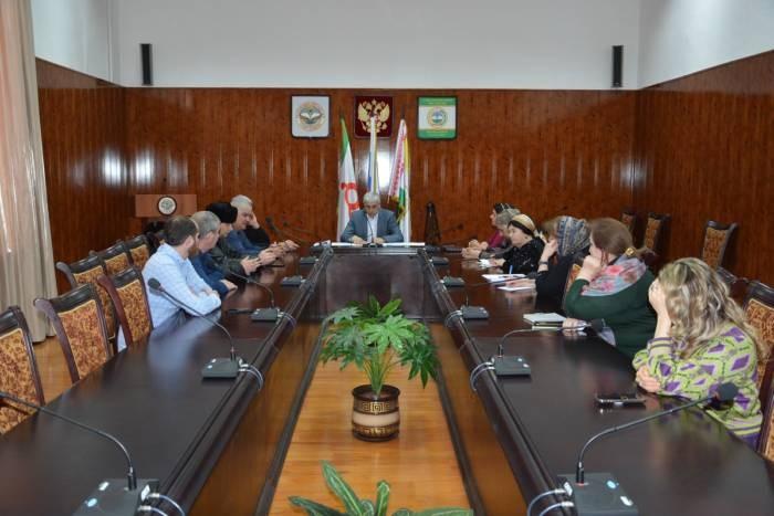 О проведении декларационной кампании по предоставлению сведений о доходах и расходах говорили в администрации Сунженского района