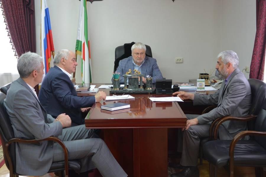Магомет Дзейтов провел еженедельное плановое совещание с заместителями