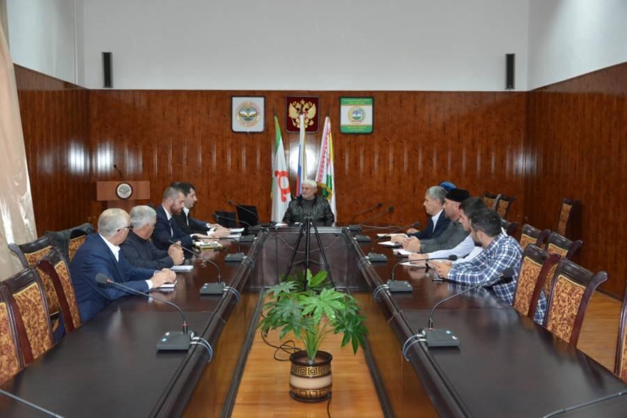 Магомет Дзейтов с участием представителей Прокуратуры Сунженского района провел совещание с главами сельских поселений