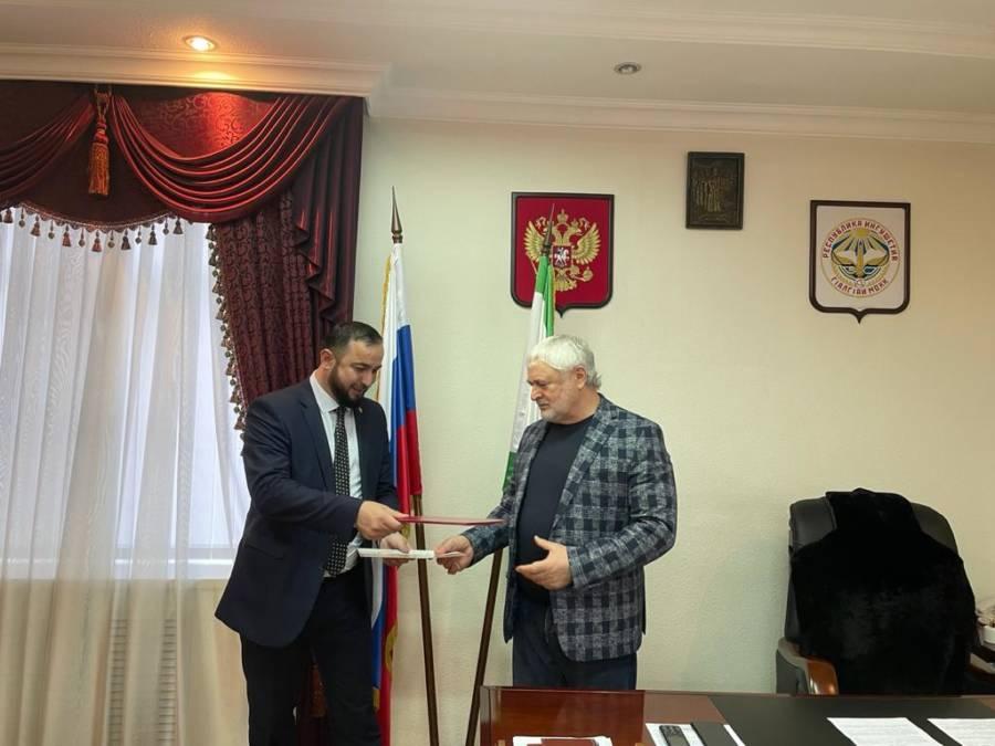 Администрация Сунженского района заключила договор о взаимовыгодном сотрудничестве с региональным отделением ОООВ «Российский союз ветеранов» по Ингушетии