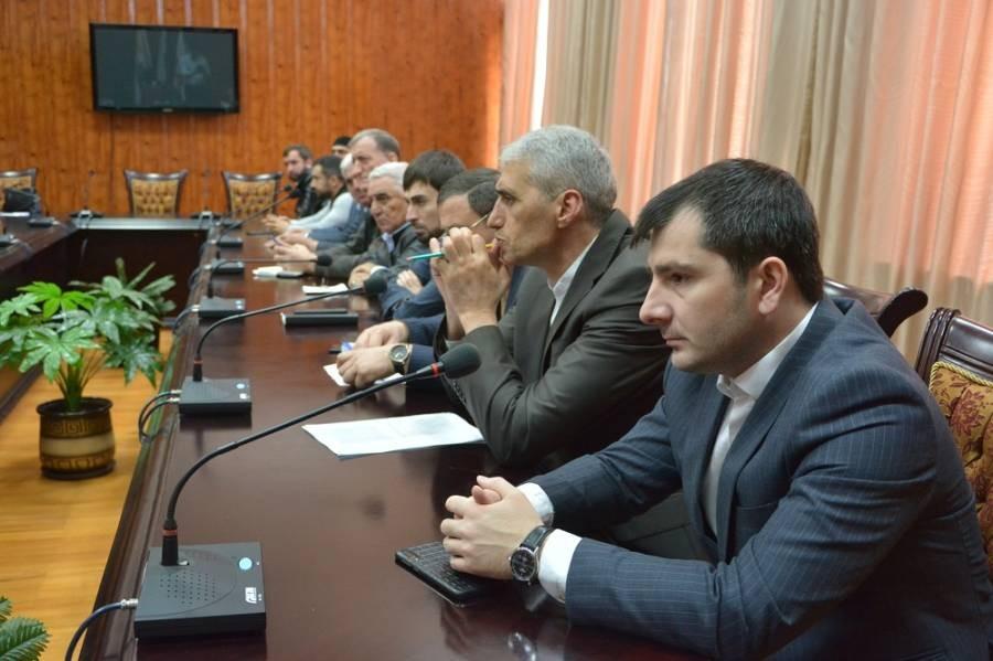 Магомет Дзейтов провел совещание с главами населенных пунктов