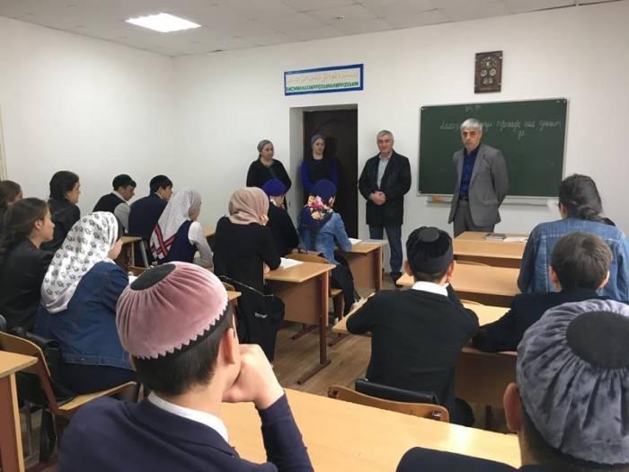 Встреча с учащимися старших классов сельского поселения Алхасты по вопросу проведения рейтингового голосования на общероссийской платформе