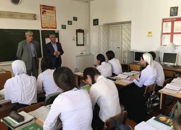 Встреча с учащимися старших классов сельского поселения Берд-Юрт по вопросу проведения рейтингового голосования на общероссийской платформе