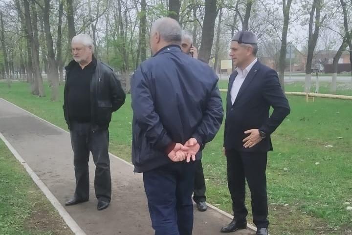 Магомет Дзейтов посетил общественные территории, на которых планируется проведение Всероссийского субботника