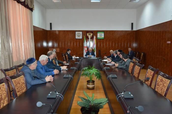 Осман Евлоев провел совещание с главами населенных пунктов