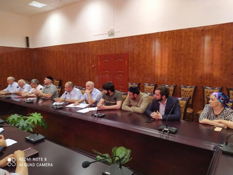 На совещании обсудили вопрос явки призывников в Сунженский военный комиссариат