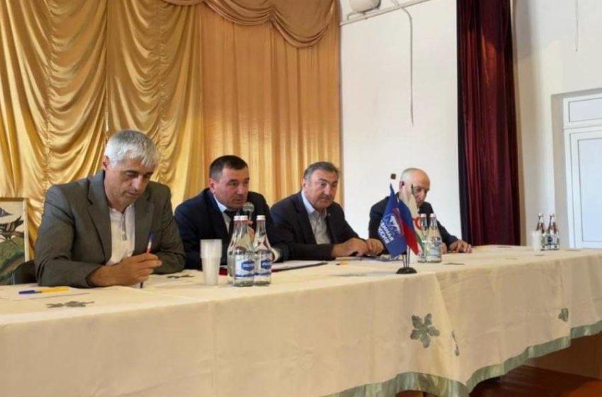 Депутаты сельского совета с.п Троицкое провели встречу с местными жителями.