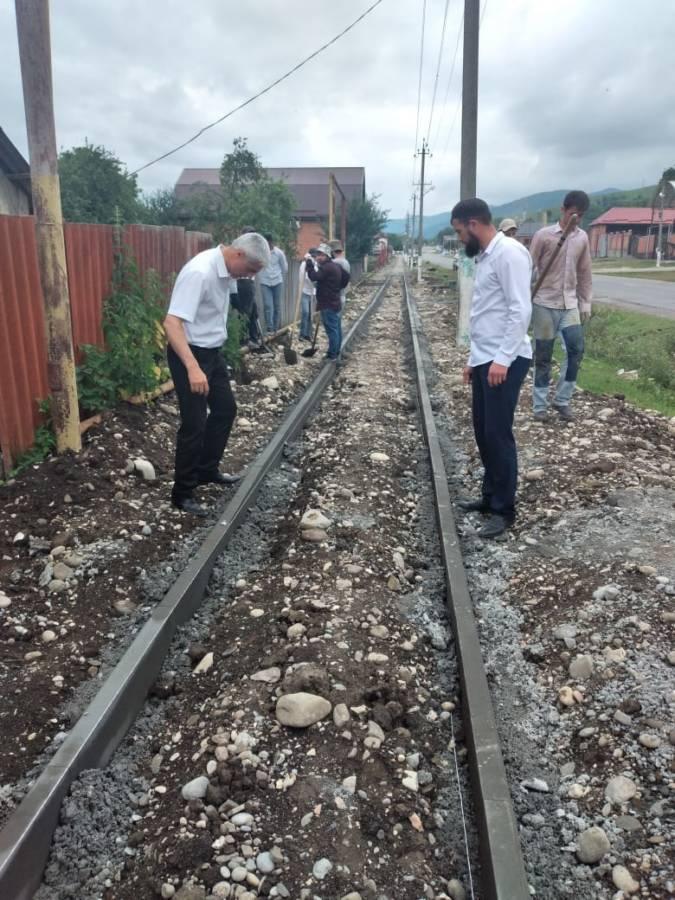 Заместитель главы Сунженского района Беслан Цечоев выехал с инспекционной поездкой в сельское поселение Галашки