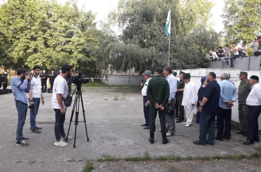 Сегодня в торжественной обстановке завершилась отправка призывников из Сунженского района в ряды Российских войск