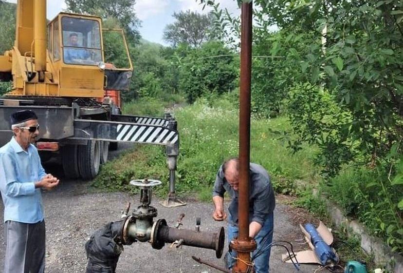 В сельском поселении Галашки произвели замену трех насосов вышедших из строя
