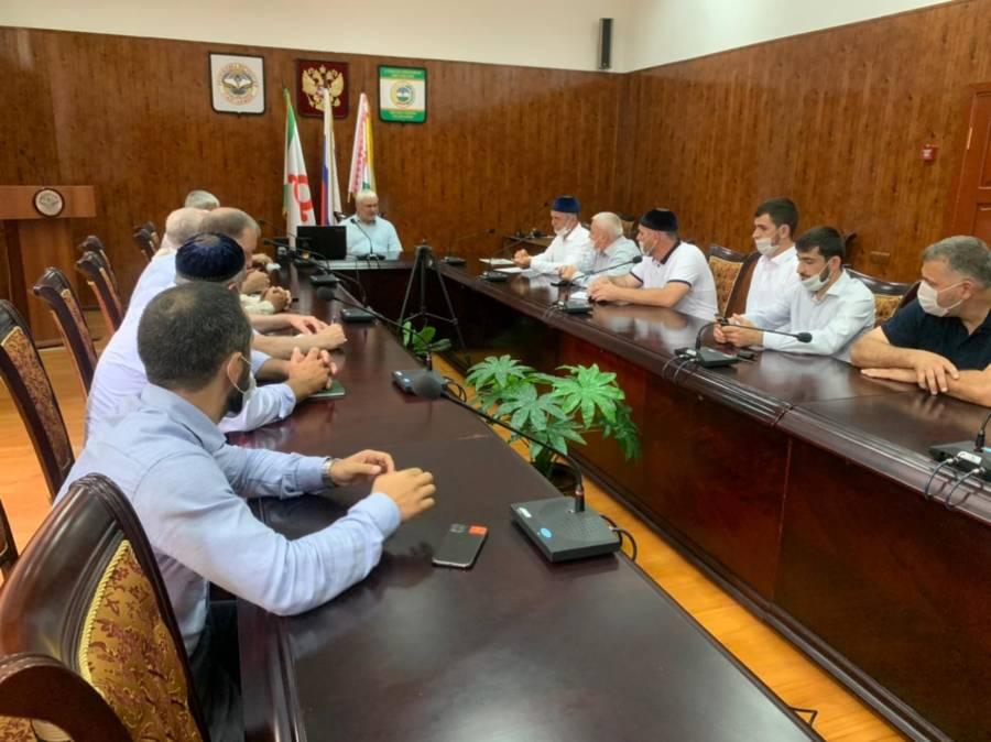 Глава района Дзейтов М.М. провёл совещание с главами сельских поселений