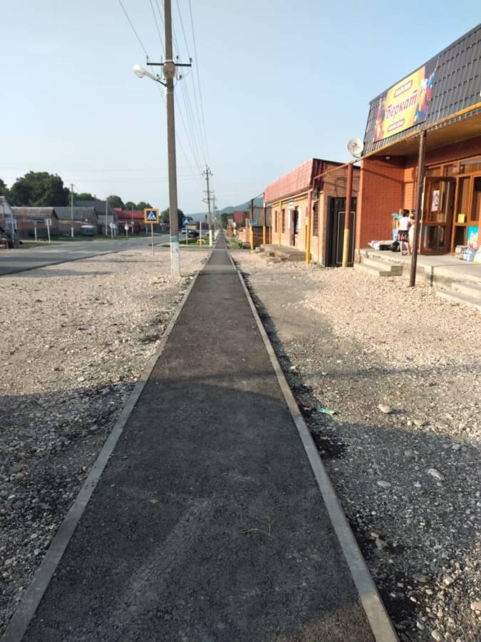 В сельском поселении Галашки осуществилось обустройство нового пешеходного тротуара протяженностью 750 метров