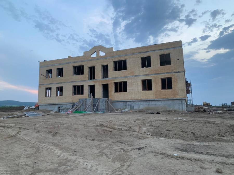Ход работ по строительству школы и детского сада в с.п. Троицкое