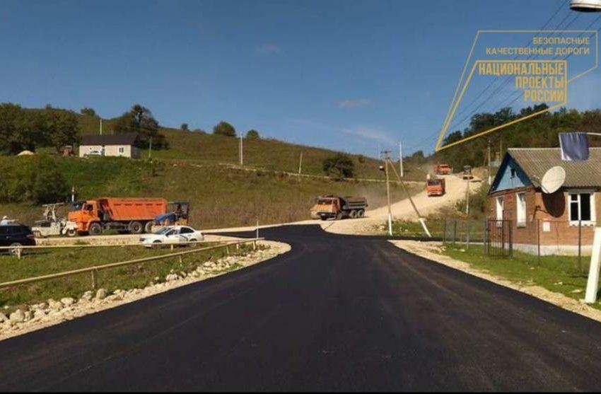 Строительство 17-километровой подъездной дороги к администрации сельского поселения Даттых от трассы «Нестеровское-Таргим-Чми» близится к завершению