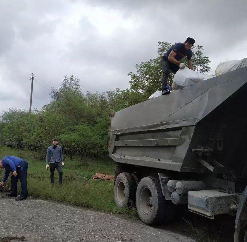 На территории сельского поселения Нестеровское вывезено более 6 КамАЗов мусорных отходов