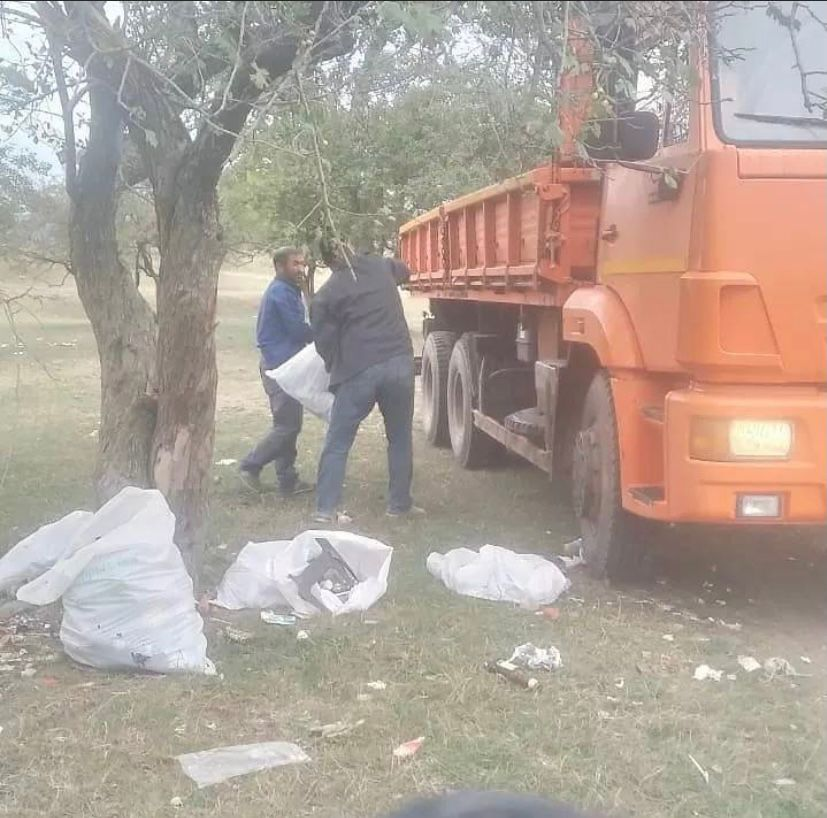 В сельском поселении Нестеровское провели работу по санитарной очистке подведомственной территории.
