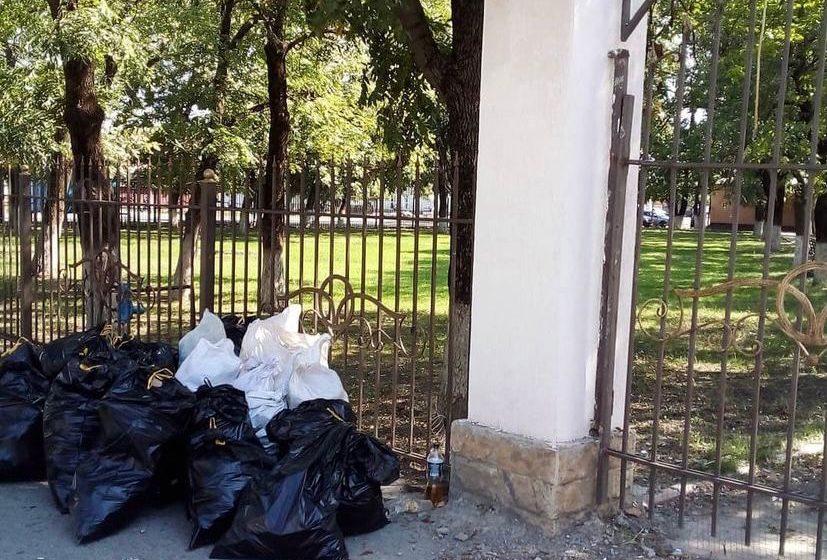 В сельском поселении Нестеровское силами администрацией села активно продолжается санитарная очистка подведомственной территории