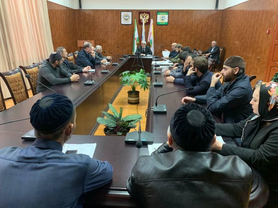 В администрации Сунженского района состоялось межведомственное совещание по вопросу осенней призывной кампании.